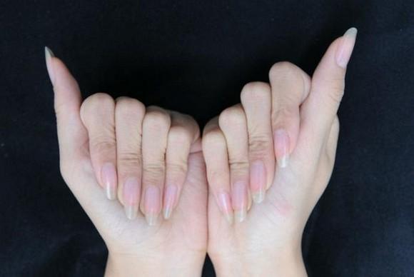 Bạn có biết móng tay của phụ nữ quá dài, có thể gây ra các bệnh phụ khoa? - Ảnh 1