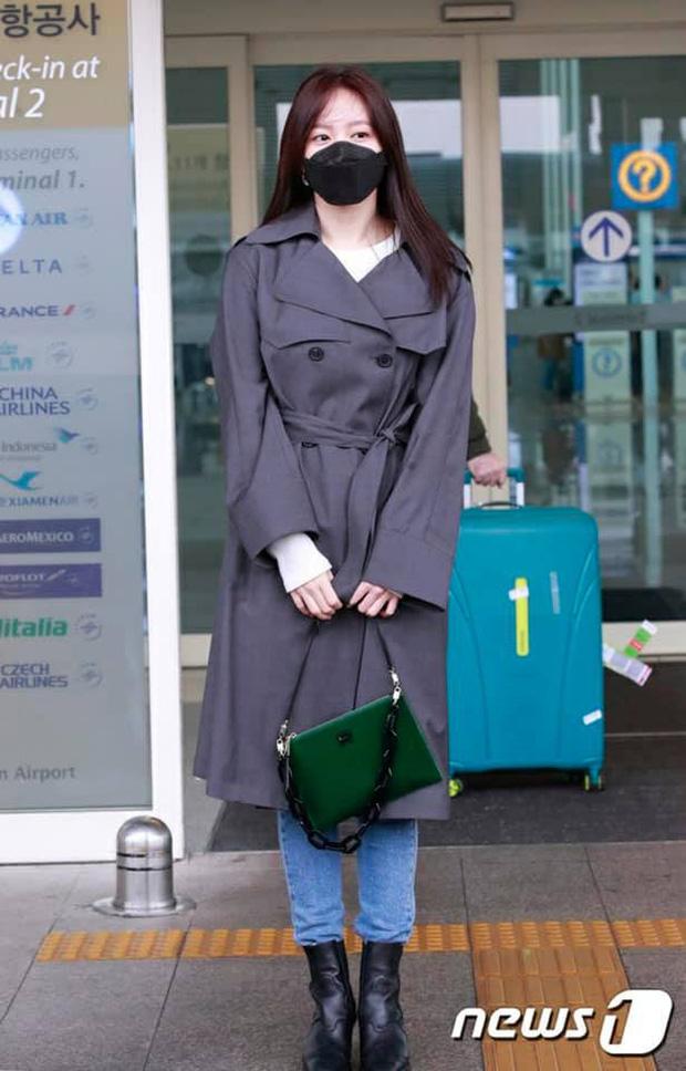 Học lỏm 9 cách mix đồ với boots của sao Hàn khi đi ra sân bay - Ảnh 8