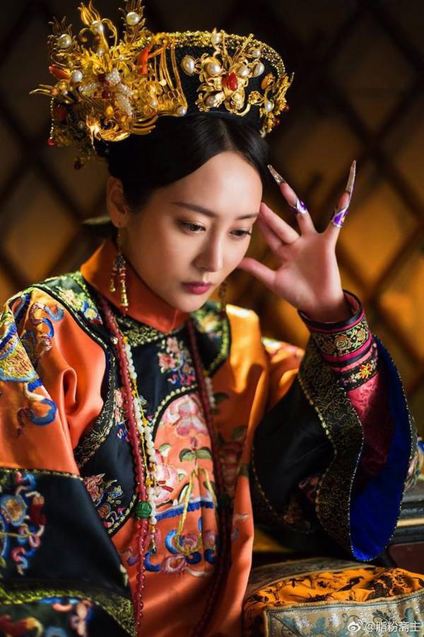 Xa Thi Mạn, Tuyên Huyên và những phi tần lắm mưu nhiều kế nhất màn ảnh Hoa ngữ - Ảnh 8