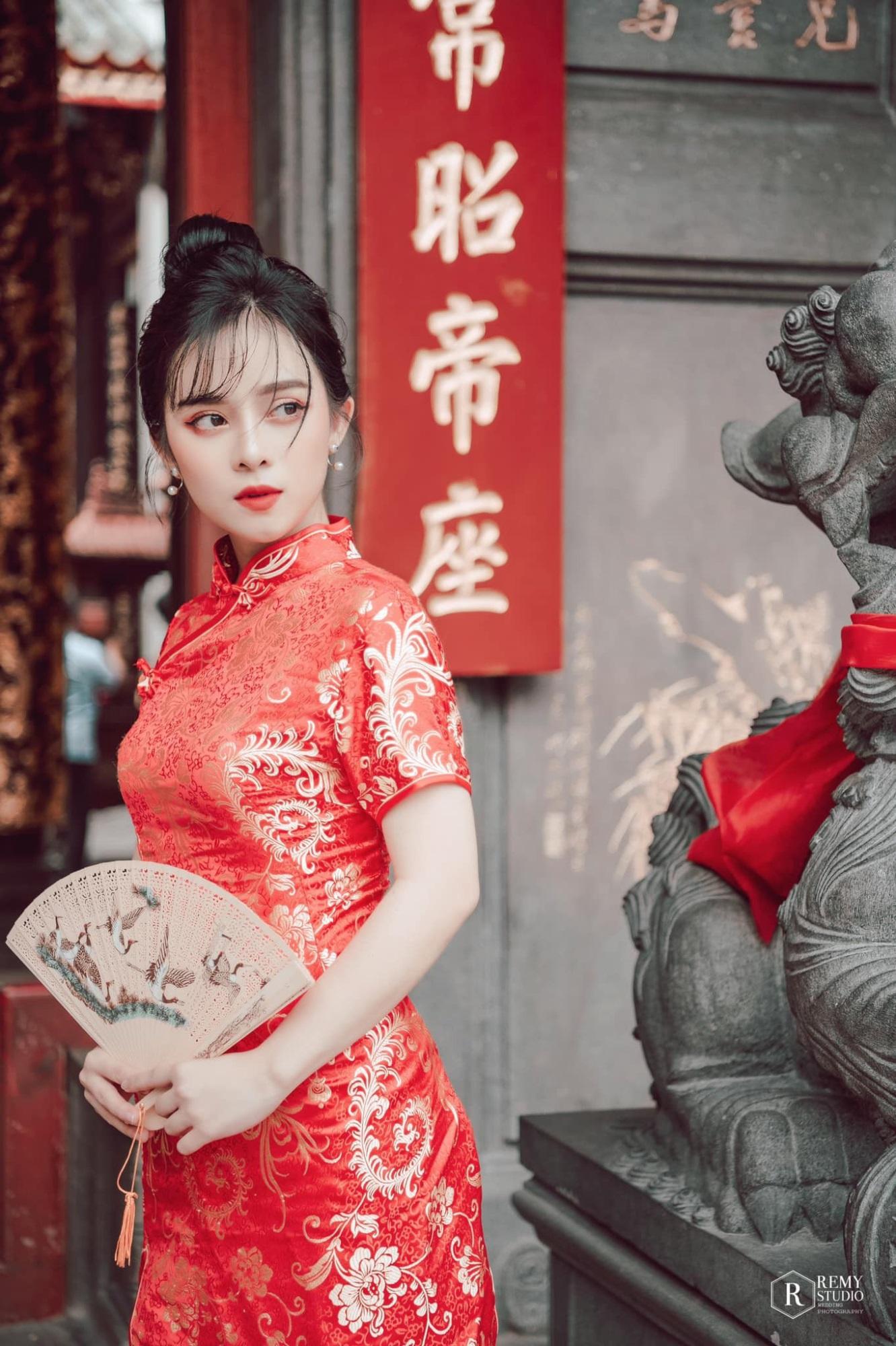 Bị nhầm là hot girl Trung Quốc, nữ MC Tây Ninh được 'săn đón' mọi ngả đường - Ảnh 7