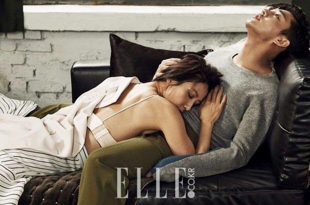 Bộ ảnh từng gây tranh cãi của Kim Hee Ae và sao nam kém 20 tuổi - Ảnh 3