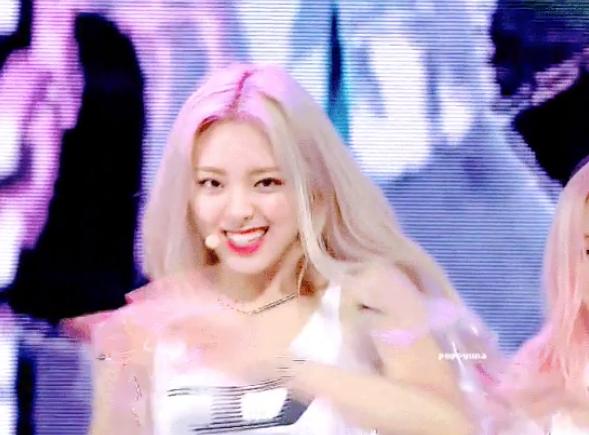Yuna (ITZY): Nữ thần thế hệ mới có visual 'ngày càng đi xuống' - Ảnh 5