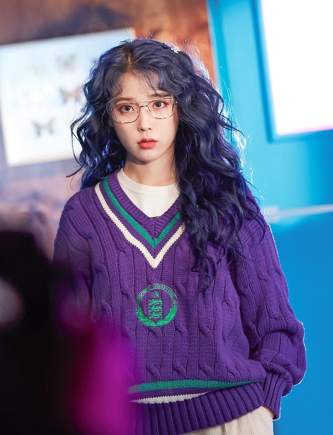 Lăng xê mái tóc xoăn xù mì kiểu bà thím, sao Hàn mới thực sự xinh đẹp? - Ảnh 4
