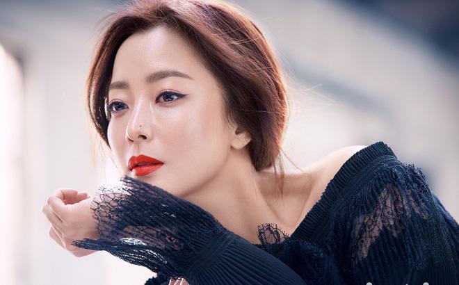 Bác sĩ thẩm mỹ bình chọn top 3 sao nữ Hàn có khuôn mặt đẹp nhất Kbiz: Kim Tae Hee bao năm dẫn đầu bất ngờ vắng mặt vì idol này - Ảnh 2