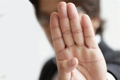 Xòe bàn tay con trai ra 3 giây biết vận mệnh trong tương lai thế nào - Ảnh 1