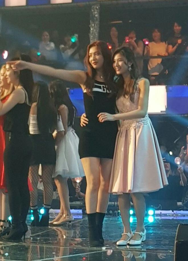Tình bạn của 3 nhóm nhạc nữ nổi tiếng nhất Kpop: BLACKPINK, TWICE, Red Velvet có thực sự thân thiết như lời đồn? - Ảnh 7