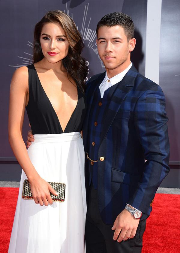 Olivia Culpo mới đây được tạp chí Maxim bình chọn là mỹ nhân gợi cảm nhất thế giới. Từ khi đăng quang Miss Universe 2012, cô thành công với vai trò người mẫu, fashionista, ngôi sao mạng xã hội. Người đẹp từng hẹn hò với nhiều ngôi sao, trong số đó, mối tình của cô với ca sĩ Nick Jonas được công chúng quan tâm.