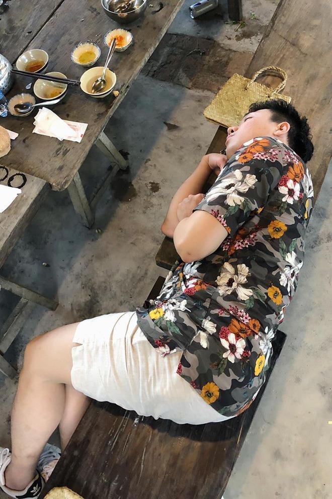 BB Trần 'dìm hàng' Trấn Thành bằng loạt ảnh ngủ xấu ở Running Man - Ảnh 2