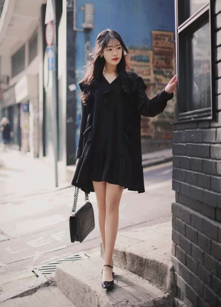 Cách tránh 'già trước tuổi' khi diện trang phục đen - Ảnh 6