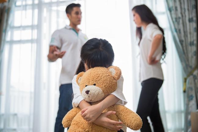 Con gái lặng người khi gặp ba trong tay bồ nhí - Ảnh 2