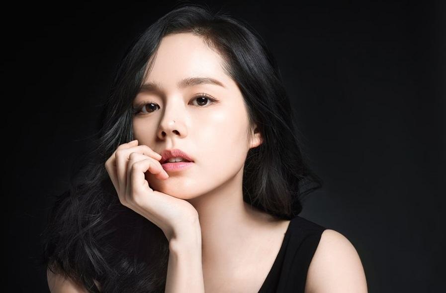 Han Ga In hạnh phúc viên mãn sau 15 năm kết hôn - Ảnh 1