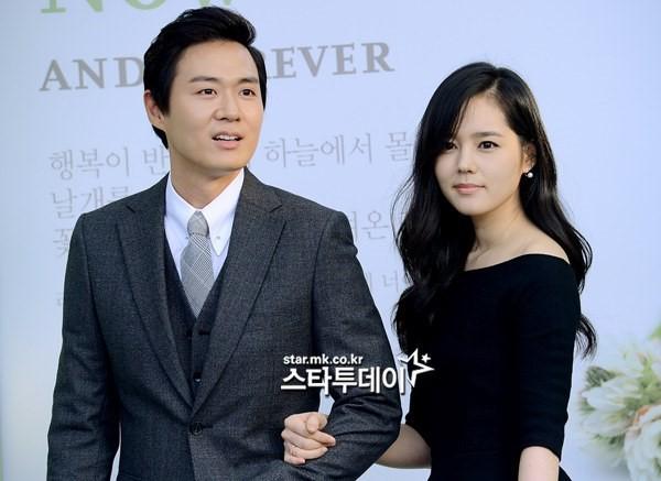 Han Ga In hạnh phúc viên mãn sau 15 năm kết hôn - Ảnh 10