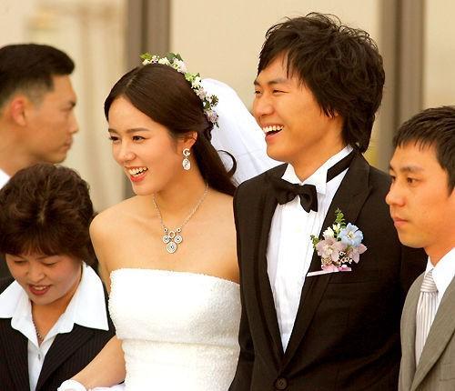 Han Ga In hạnh phúc viên mãn sau 15 năm kết hôn - Ảnh 3