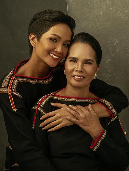 Sao Việt chia sẻ tình cảm gia đình trong 'Ngày của mẹ' - Ảnh 1