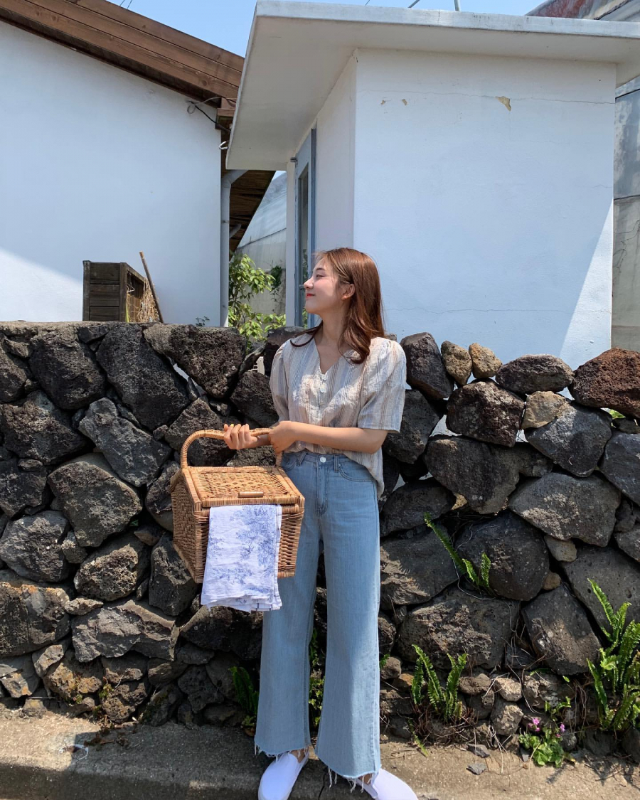 Học gái Hàn mix áo sơ mi sao cho đẹp và chuẩn nhất có thể - Ảnh 2