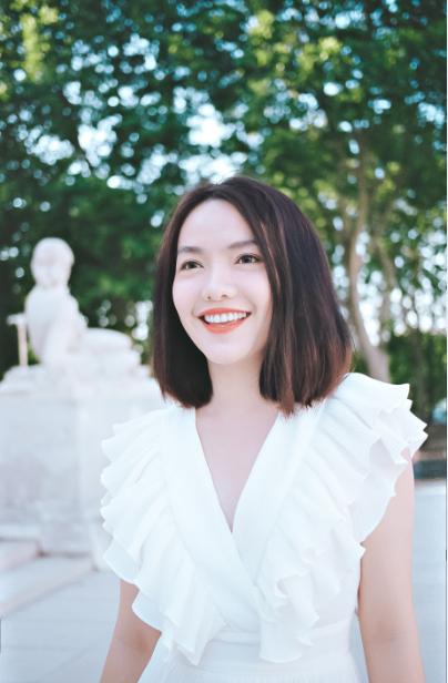 Hồng Kim Hạnh tươi trẻ giữa khoảng trời Paris - Ảnh 3