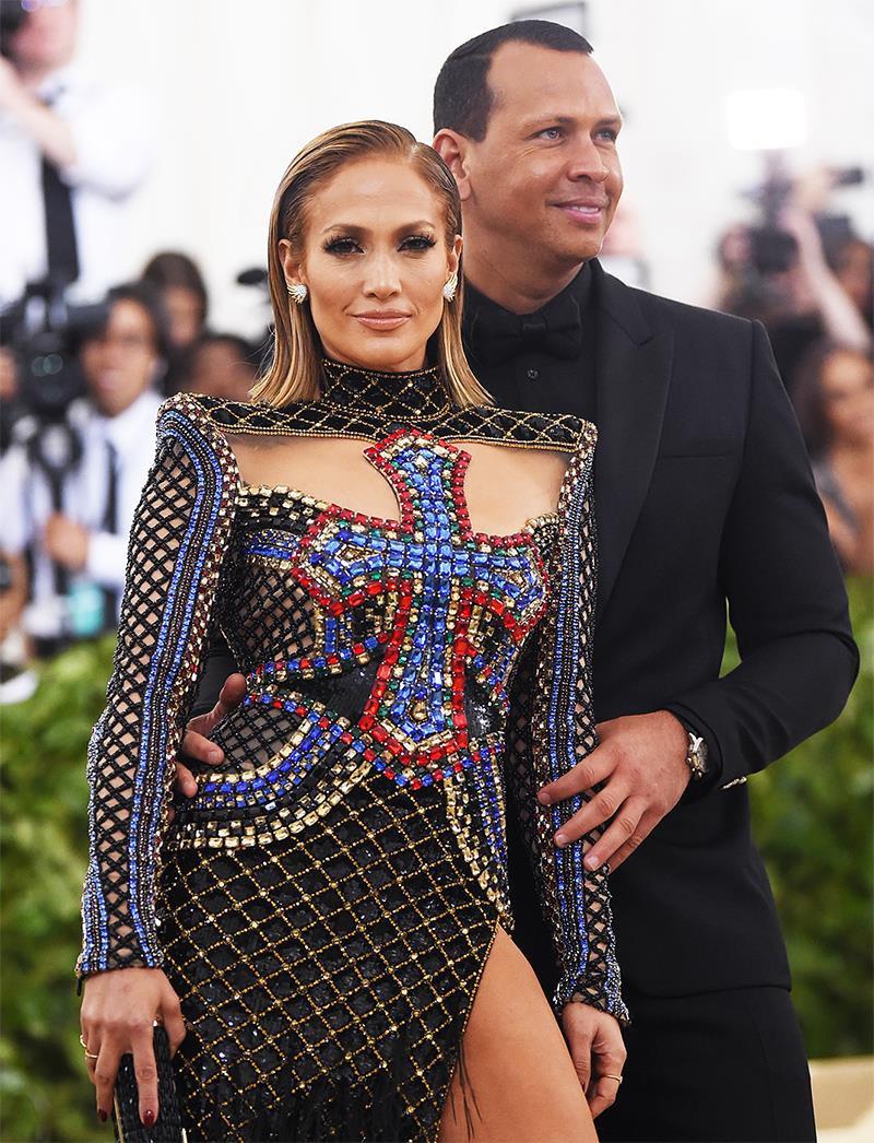 Jennifer Lopez và những sao nữ có bạn trai kém hàng chục tuổi - Ảnh 9