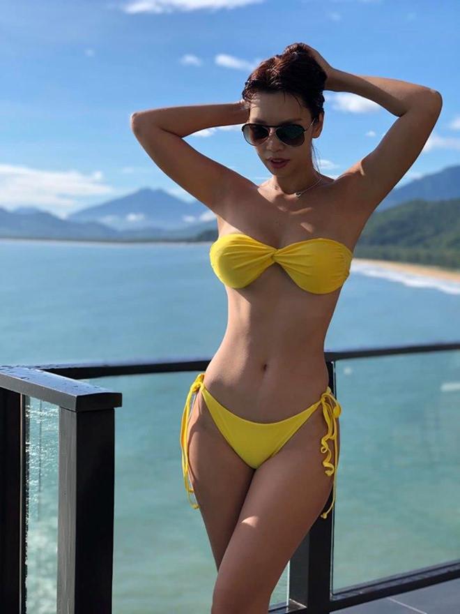 Midu, Hà Anh đăng ảnh diện bikini trong kỳ nghỉ lễ - Ảnh 1