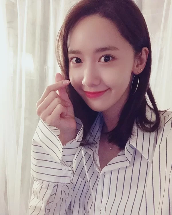 'Ngọc nữ xứ Hàn' Yoona tiết lộ 6 thói quen chăm chút cho làn da không tuổi - Ảnh 2