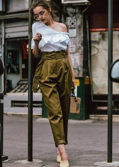 Những kiểu áo blouse cho nàng mê xu hướng bèo nhún - Ảnh 9