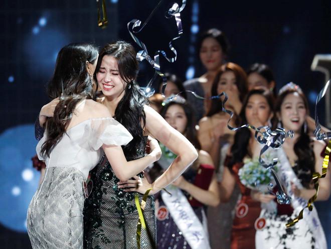 Nữ sinh 20 tuổi đăng quang Hoa hậu Hàn Quốc 2019 - Ảnh 2