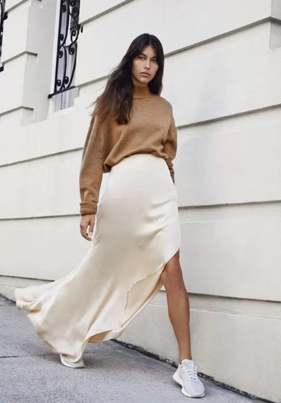 Phối áo len cùng váy lụa - Ảnh 6