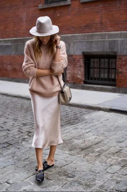 Phối áo len cùng váy lụa - Ảnh 9