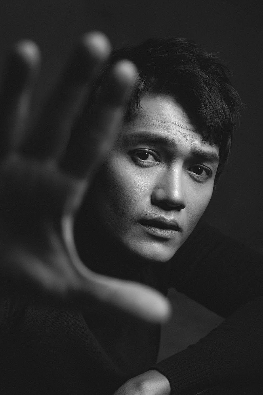 Quang Tuấn: 'Mỗi lần quay cảnh tâm linh lại xảy ra điều trùng hợp rùng rợn' - Ảnh 3