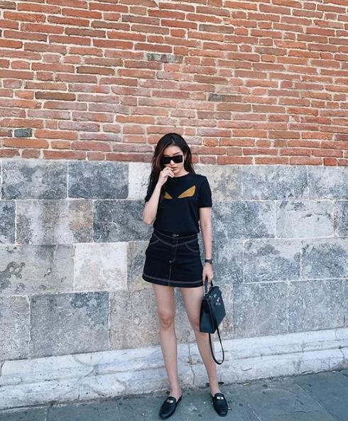 Sao Việt chọn váy ngắn tôn chân thon - Ảnh 2