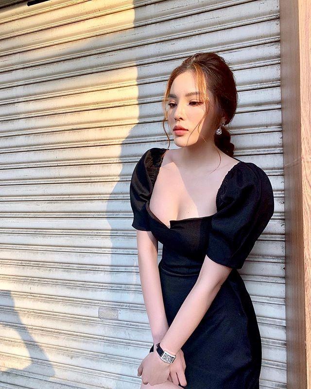Sở thích diện váy áo xẻ sâu tôn vòng một của Kỳ Duyên - Ảnh 7