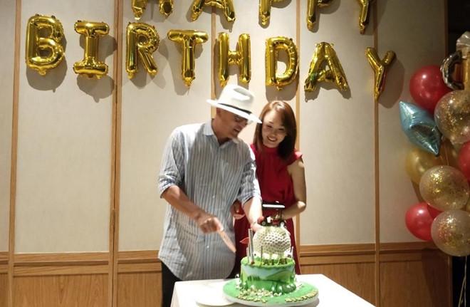 'Tiểu Long Nữ' Phạm Văn Phương ngọt ngào chúc mừng sinh nhật chồng - Ảnh 1