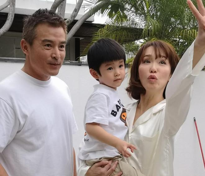'Tiểu Long Nữ' Phạm Văn Phương ngọt ngào chúc mừng sinh nhật chồng - Ảnh 2