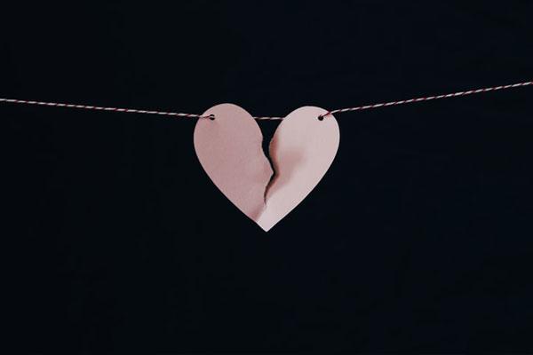 Top 4 cặp đôi chỉ hòa hợp chuyện thể xác chứ chẳng thể yêu nhau - Ảnh 2