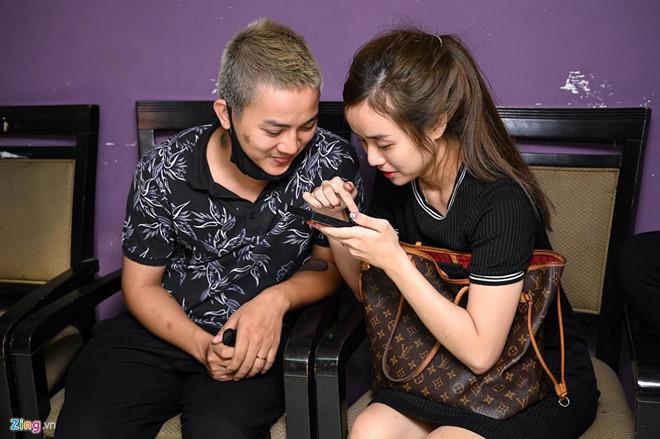 Vợ Hoài Lâm đăng ảnh chồng và nhắn nhủ lời ngọt ngào - Ảnh 2