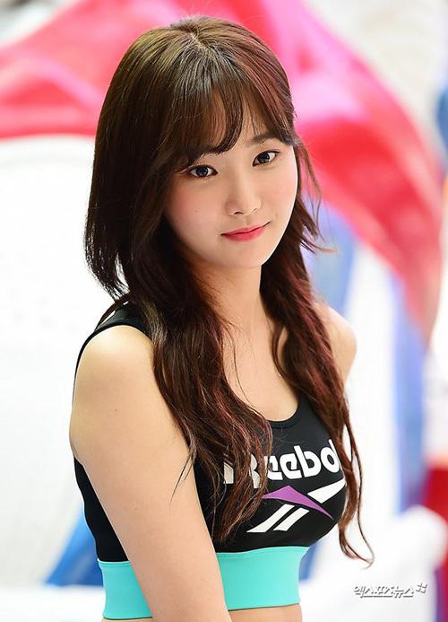 Yeon Woo (Momoland) bị nghi dao kéo khi tái xuất - Ảnh 3
