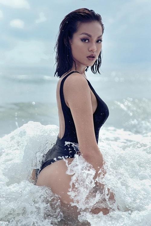 Những nàng da nâu mặc bikini chuẩn Tây của showbiz Việt - Ảnh 7