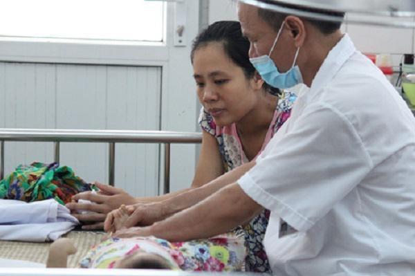 Bổ sung vitamin khi mang bầu: Mẹ dùng không đúng cách chẳng khác gì hại con - Ảnh 2