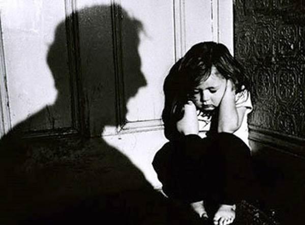 Phát hiện con bị xâm hại tình dục bố mẹ nên làm gì? - Ảnh 2