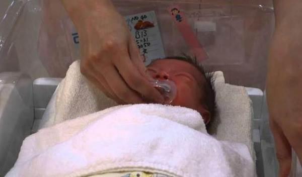 Mẹ báo cảnh sát vì bố vô tình giết chết con gái 6 tháng tuổi khi cho cai sữa đêm bằng cách này - Ảnh 3