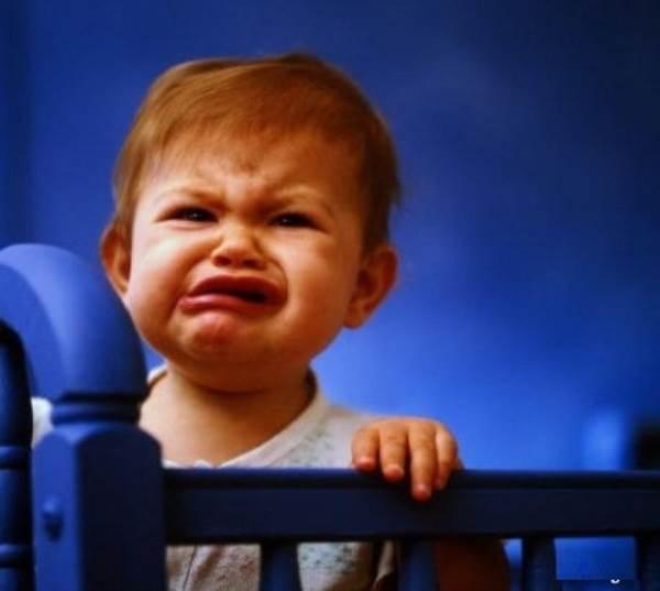 Bố mẹ giật mình khi biết lý do vì sao con lại khóc thét khi chụp ảnh - Ảnh 1