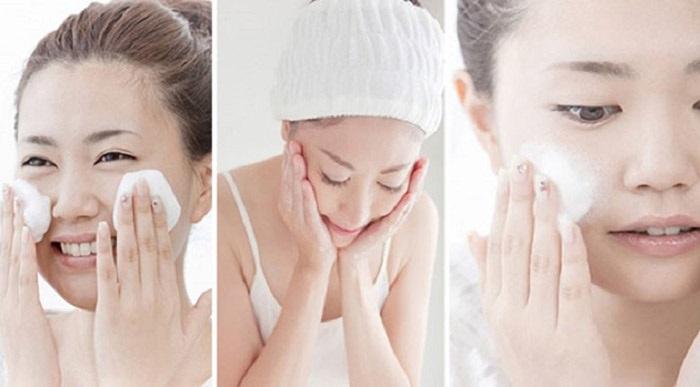 Dùng sữa rửa mặt phù hợp với da