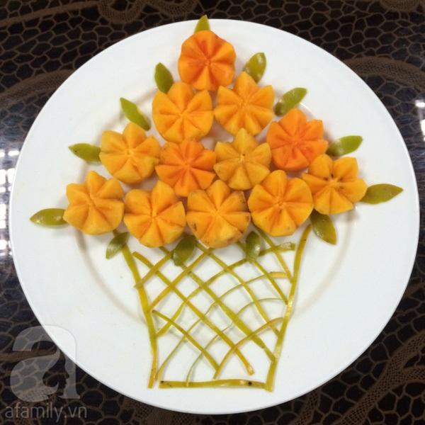 Cách bày đĩa hoa quả đẹp từ quả hồng ngâm