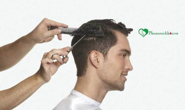 Chia sẻ cách cắt tóc nam bằng kéo nhanh chóng đơn giản - Ảnh 2