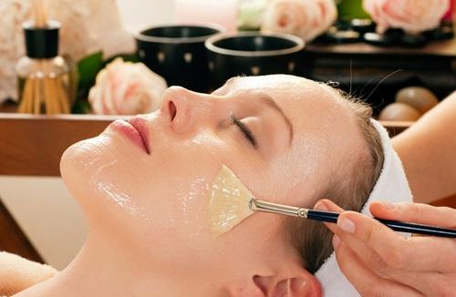 Bí quyết chăm sóc da mặt căng mịn, giảm lão hóa với mặt nạ dưỡng da sữa ong chúa