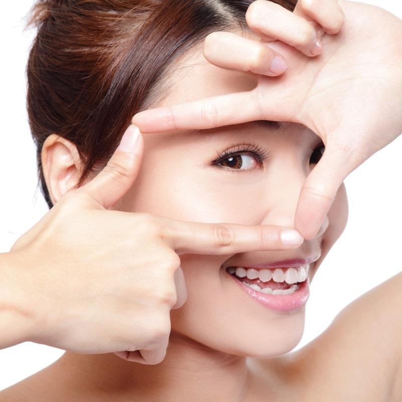 Chú trọng chăm sóc da vùng mắt để hạn chế quá trình lão hóa da