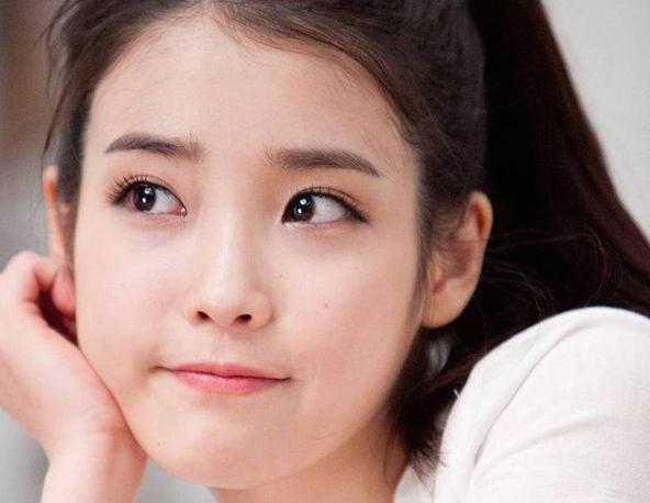 Làm sạch mặt 3 lần trên ngày để da đẹp mịn màng, sạch mụn như sao Hàn Quốc