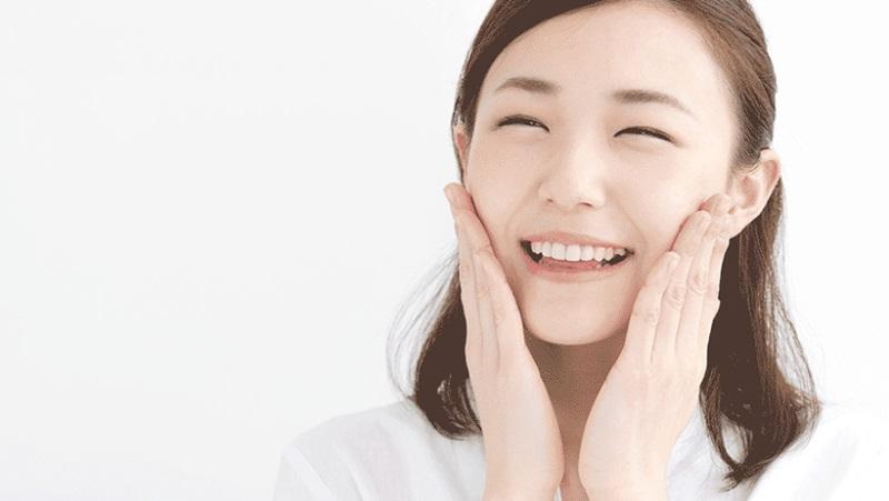 Làm sạch da là cách chăm sóc da mặt không bị mụn cơ bản nhất