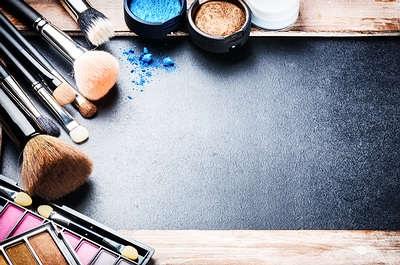 Hạn chế trang điểm cho da mặt nhạy cảm giảm kích ứng và sạch lỗ chân lông