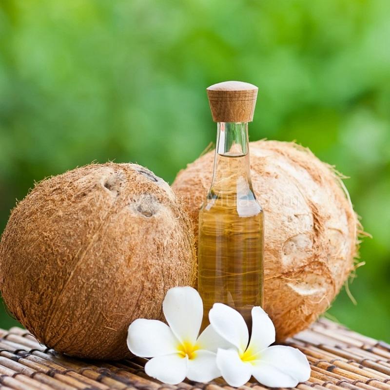 Chăm sóc da mặt như da em bé thì không nên bỏ qua dưỡng da bằng dầu dừa đâu nhé