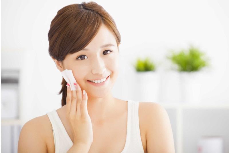 Hướng dẫn cách chăm sóc da mặt sau khi lăn kim cụ thể